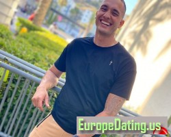 LIAM, 33, San Diego, California, United States