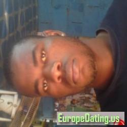 chrisrey, Yaoundé, Cameroon