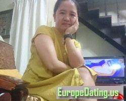 Reah, 42, San Isidro, Central Luzon, Philippines